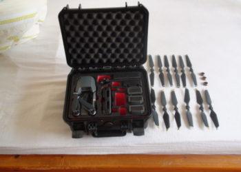 Zum Heranzoomen mit der Maus über das Bild fahren Kamera-Drohne-DJI-MAVIC-PRO-FLY-MOR-COMBO Indexbild 1 Kamera-Drohne-DJI-MAVIC-PRO-FLY-MOR-COMBO Indexbild 2 Kamera-Drohne-DJI-MAVIC-PRO-FLY-MOR-COMBO Indexbild 3 Kamera-Drohne-DJI-MAVIC-PRO-FLY-MOR-COMBO Indexbild 4 Kamera-Drohne-DJI-MAVIC-PRO-FLY-MOR-COMBO Indexbild 5 Kamera-Drohne-DJI-MAVIC-PRO-FLY-MOR-COMBO Indexbild 6 Kamera-Drohne-DJI-MAVIC-PRO-FLY-MOR-COMBO Indexbild 7 Kamera-Drohne-DJI-MAVIC-PRO-FLY-MOR-COMBO Indexbild 8 Ähnlichen